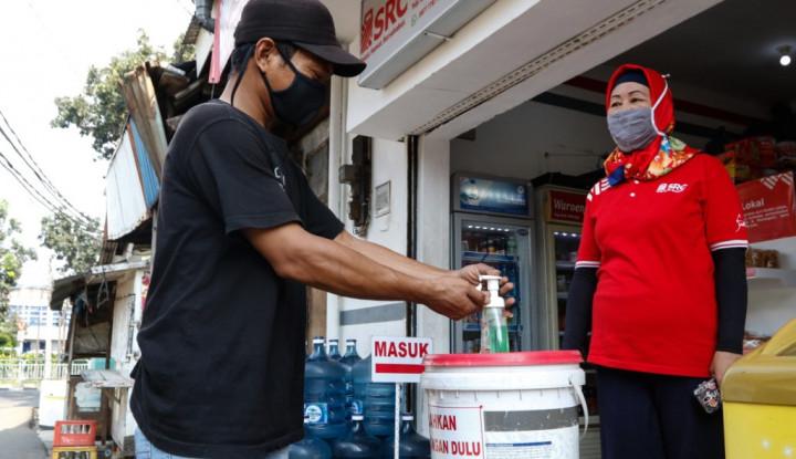 Lawan Corona, Sampoerna Sebar 650 Ribu Masker dan 80 Ribu Antiseptik ke Toko Kelontong