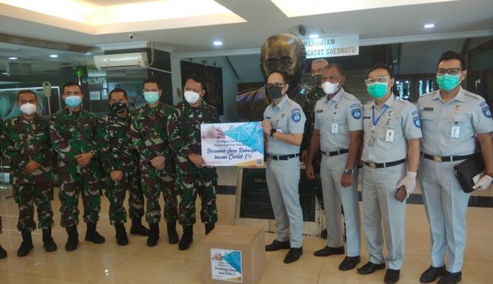 Jasa Raharja DKI Jakarta Beri Bantuan 100 Set APD ke RSPAD Gatot Soebroto
