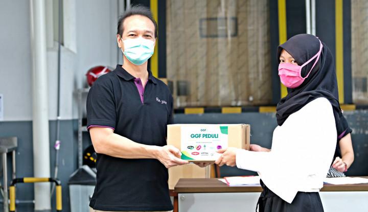 Re.juve Bagikan 700 Paket Sembako untuk Warga Terdampak Covid-19