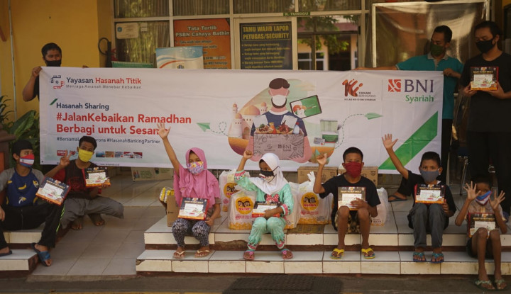 Nasabah BNI Syariah Salurkan 1000 Paket Berbuka Puasa ke Yatim Dhuafa