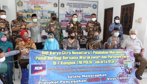 Aksi Peduli, Bos KCN Terjun Langsung Bagi-Bagi Sembako di Komplek TNI/Polri