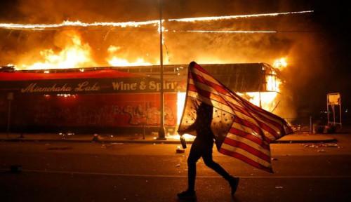 Ya Ampun! Kerusuhan di AS Bikin Dua Wartawan Reuters TV Kena Peluru Karet!