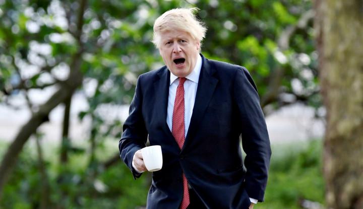 Alamak, Boris Johnson Terlibat dalam Tabrakan Mobil Beruntun