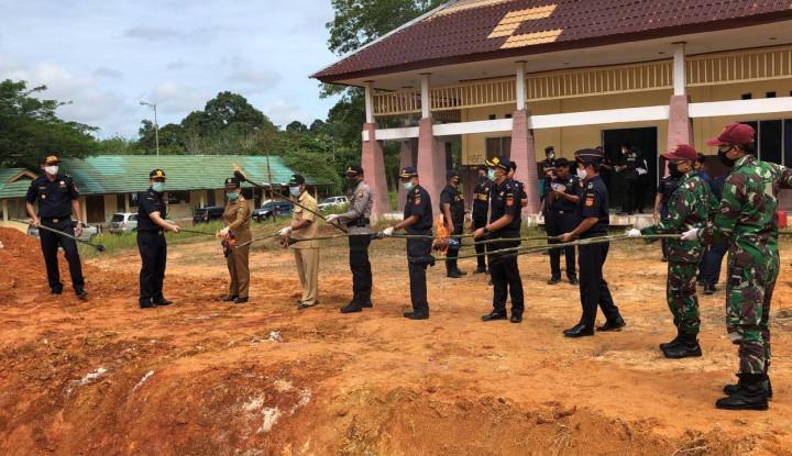 Bea Cukai Jagoi Babang Musnahkan Barang Ilegal Hasil Tangkapan