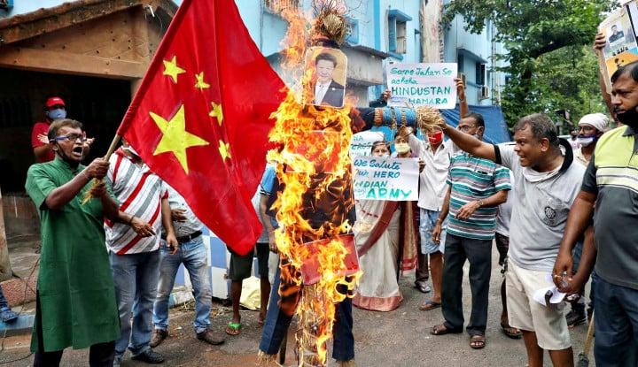 Menyorot Ketegangan Dua Raksasa India vs China