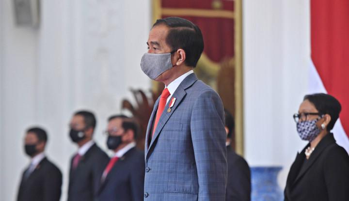 Terserah Reshuffle atau Gak, Sumber Masalahnya Itu Jokowi