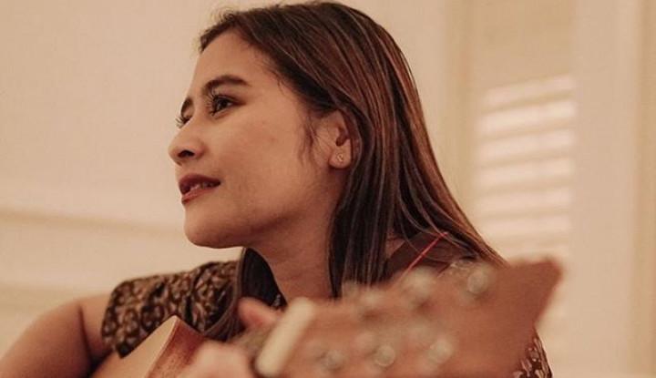 Aktif Ngonten di Youtube & IG, Berapa Cuan Prilly Latuconsina?