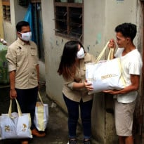 Rayakan HUT, BNI Bagikan 146.000 Paket Sembako