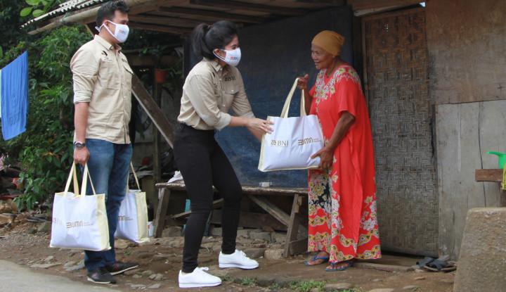 Serikat Pekerja BNI Bagikan Paket  Sembako