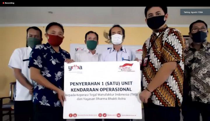 YDBA Serahkan Bantuan Mobil Operasional Koperasi TMI