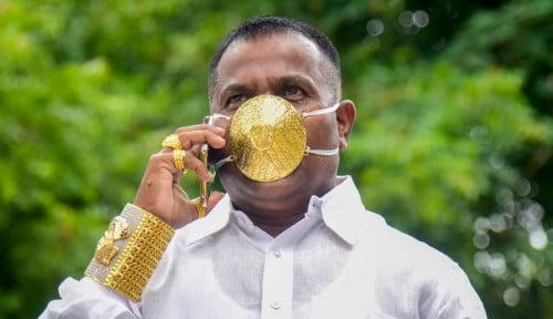 Foto Rakyat Jelata Meronta, Pengusaha India Pakai Masker dari Emas!