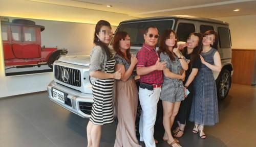 Foto Rukun dengan 4 Istri, Miliarder Taiwan Beberkan 'Kunci Suksesnya'