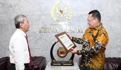 Rajin Bayar Pajak, Bamsoet Diganjar Penghargaan oleh Dirjen Pajak