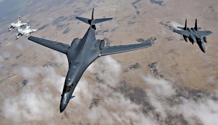 Bomber B-1B AS Bermanuver di Langit Estonia, Jet-jet Tempur NATO Membuntuti