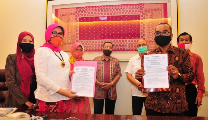 Perkuat Busana Made in Indonesia, IKATSI Resmi Gandeng Unesa