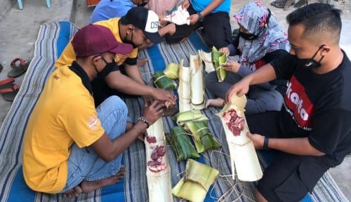 Komunitas Indonesia Timur Berbagi Wadah Penyimpanan Daging Kurban