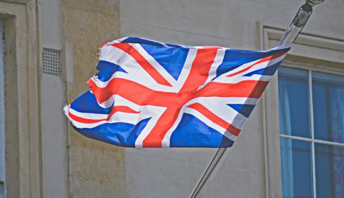 Cuma Bisa Meringis, Ekonomi Inggris Minus 9,9%. Terburuk sejak 1709