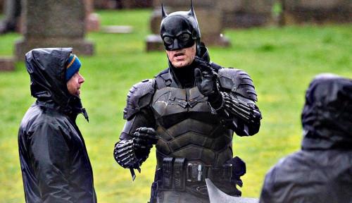 Robert Pattinson Digadang Bisa Perbaiki Film Batman, Kenapa?