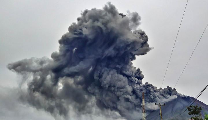 Astaghfirullah! Gunung Sinabung Muntahkan Awan Panas Lagi