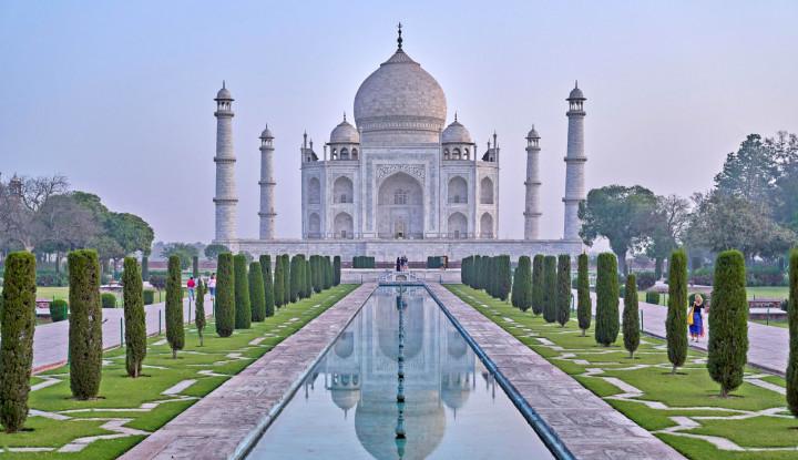 Kasus Covid-19 Tembus 5 Juta, India Justru Buka Wisata Taj Mahal