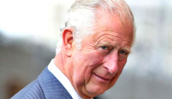 Mengintip Bisnis Pangeran Charles yang Jual Baju Seharga Rp24 Juta!