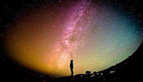 Peneliti Temukan Tata Surya Bintang Tiga di Luar Angkasa