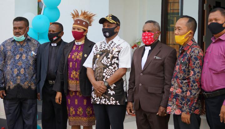 Puji Tuhan, Kantor Klasis GPI Teluk Bintuni Jadi Ikon Perdamaian