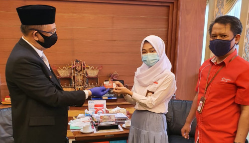 Telkomsel Sumbang 473.000 Kartu Merdeka Belajar di Sekolah Kalbar