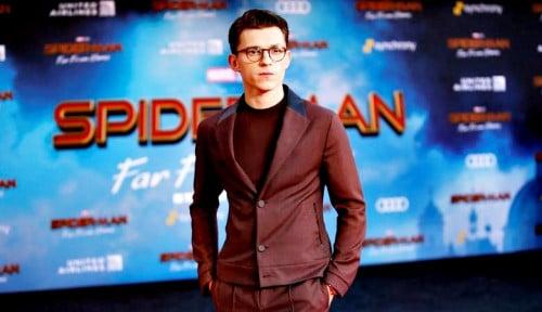 Tom Holland Pamer First Look Sekuel Spider-Man Terbaru, Duh Bikin Kepo!