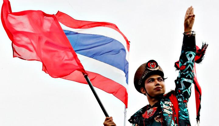 Kayak Kebakaran Jenggot, Rakyat Pro Raja Thailand Lantang Tolak Reformasi...