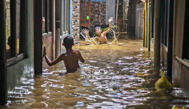 Diguyur Hujan Lebat, 32 RT di Ibu Kota Terendam Banjir