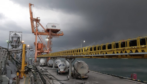 Waspadai Rontoknya Industri Akibat Pajak Karbon