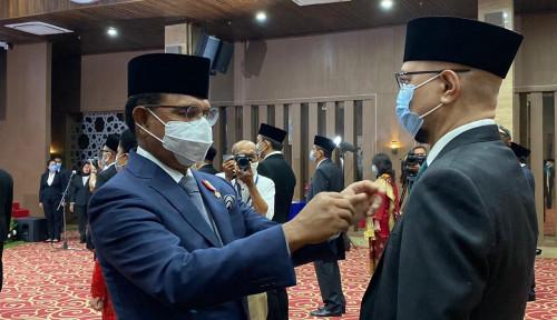 Dirikan BenihBaik.com, Andy F Noya Terima Anugerah Satyalancana Wira Karya