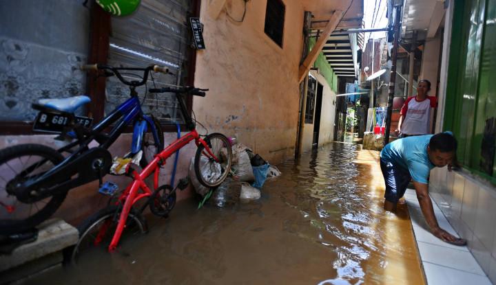 Berikut Titik Banjir yang Masih Tergenang di Jakarta Hingga Malam Hari