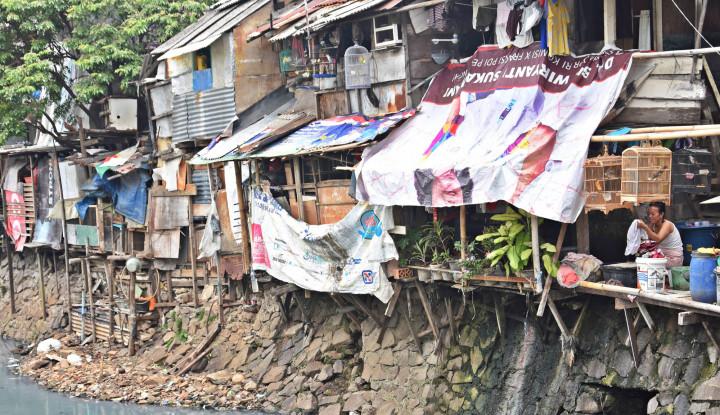 Warisan Satu Tahun Jokowi-Ma'ruf: Utang Menggunung, Kemiskinan Meningkat