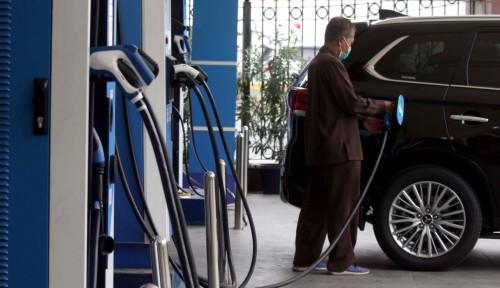 Menteri BUMN Akui Mobil Listrik Akan Ganggu Bisnis Bensin Pertamina