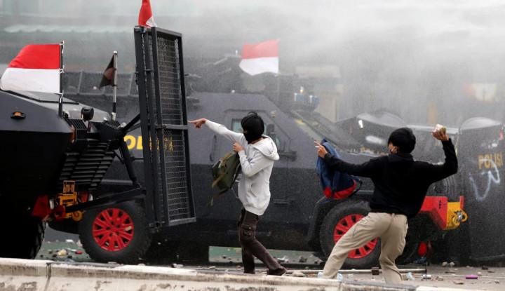 Terbongkar! Polri Guyur Rp408,8 Miliar untuk Antisipasi Demo Omnibus Law