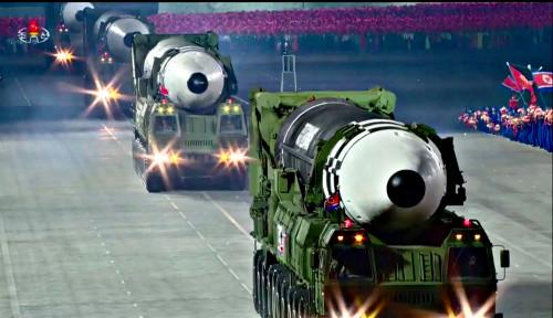 Usai Deklarasikan Bangun Militer Terkuat, Kim Jong-un Pamer Rudal Raksasa Terbaru