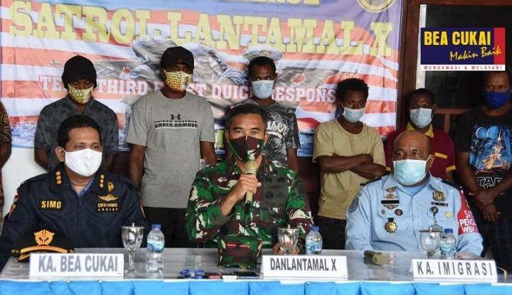Bea Cukai dan TNI AL Tangkap 9 Warga Papua New Guinea