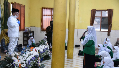 Dialog dengan Santri, Syarief Hasan Harap Beasiswa untuk Rakyat Kecil Diperluas