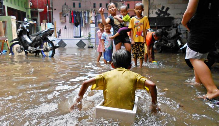 Hingga Senin Malam Beberapa Wilayah di Jakarta Masih Tergenang Banjir