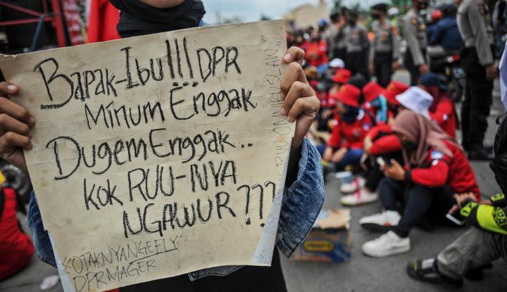 UU Cipta Kerja Segera Diteken Jokowi, Eh PKS Temukan Kejanggalan