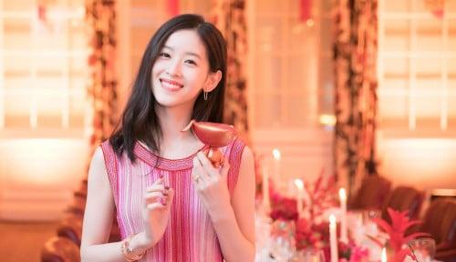 Perkenalkan Zhang Zetian, Istri Cantik Bos JD.com Sekaligus Miliarder Termuda di China