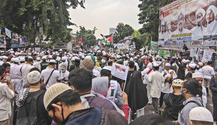 Ada Kerumunan Massa Habib Rizieq saat Pandemi Covid-19, Kapolri Cuma Mengimbau...