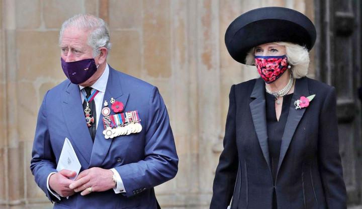 Ketika Pangeran Charles dan Pangeran William Asyik Bercengkrama Tatap Muka