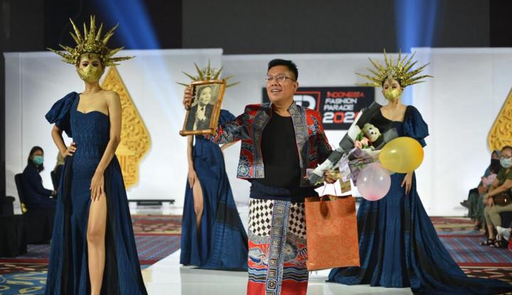 Angkat Kain Wastra, Athan Siahaan Gelar Virtual Indonesia Fashion Parade