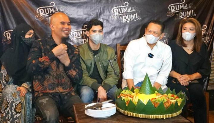 Resmikan Kafe Milik EL Ahmad Dhani, Bamsoet: Patut Ditiru Generasi Muda Lainnya