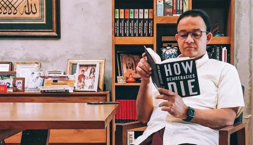 Kritiknya Kerap Buat Gubernur DKI Bonyok, Kali Ini Ferdinand Hantarkan Doa untuk Anies