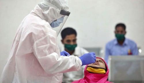 Genjot Herd Immunity, Petugas Kebersihan India Disuntik Vaksin