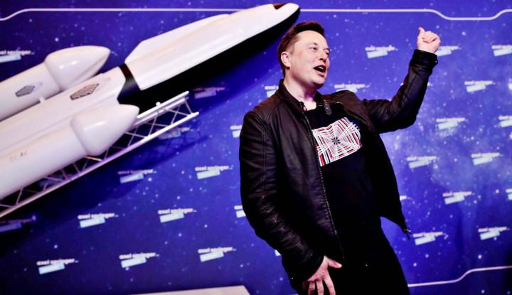 Foto Berita Elon Musk Gak Bisa Diremehin! Kekayaannya Kini Tembus Rp2.100 Triliun!